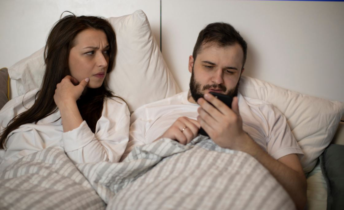 Signs He is Not Over His Ex